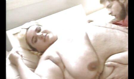 Due video porno lesbiche nere asiatiche trans masturbarsi e scopare davanti alla telecamera