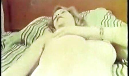 Cazzo film di lesbiche gratis latina con grande culo con un buon vecchio cazzo
